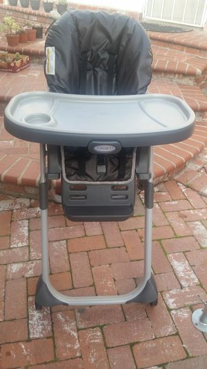 a kid's high chair for Sale in Whittier, CA