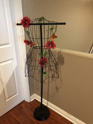 Wire Dress Form. for Sale in Bellflower, CA