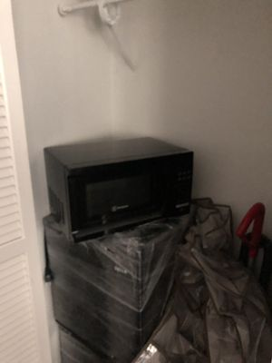 Della fridge 1.7 Whynther freezer 1.7 microwave for Sale in Sandy Springs, GA