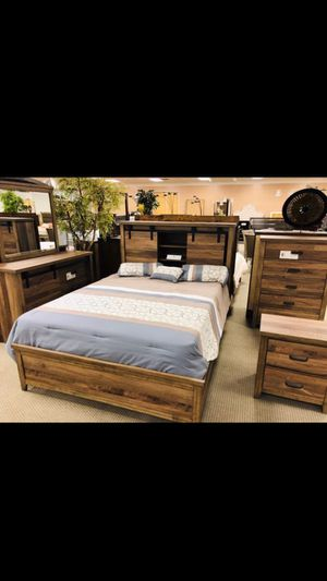 New queen size bedroom set for Sale in Houston, TX