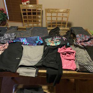 Tengo 17 Licras Para Mujer De Ejercicio Y 7 Camisetas for Sale in Houston, TX
