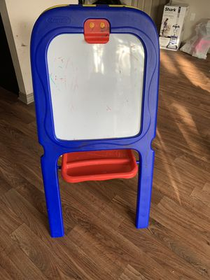 Crayola Double Easel board in great condition. Black board for Sale in Plano, TX