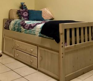 Twin bed with drawers and cabinets. Rooms 2 go for Sale in Pipe Creek, TX