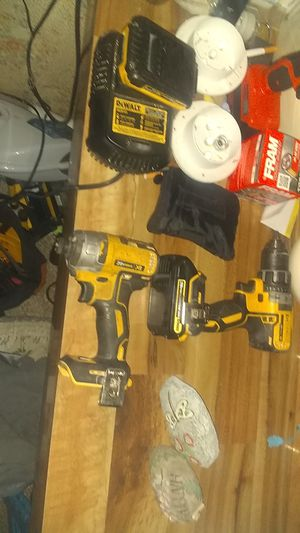 DeWalt 20 v impact and 20v charger with charger works great for Sale in Payson, AZ