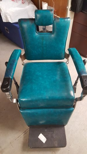 Antique Barber chair for Sale in Boston, MA