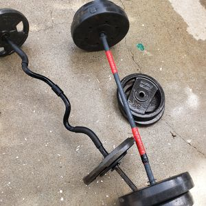 Straight bar, curl bar, weights for Sale in Lawrenceville, GA