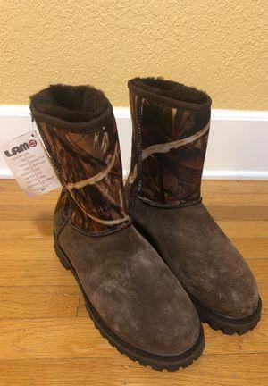 LAMO footwear sheepskin Apres Ski boots camo suede for men size 9 for Sale in Seattle, WA