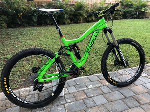 Mountain bike downhill knolly for Sale in Fort Lauderdale, FL