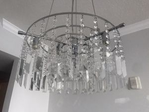 Stunning chandelier/pendant light for Sale in Miami, FL