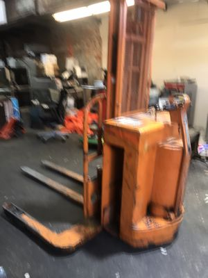 Yale electric forklift, walk behind for Sale in Baltimore, MD