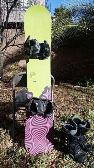 Bataleon Fukink 149CM with Medium Ride bindings for Sale in Las Vegas, NV