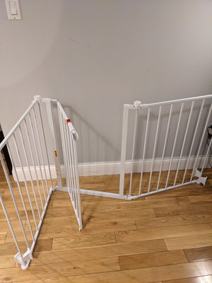 Super Wide Tri-Fold Gate (Baby or Pet) for Sale in Queens, NY