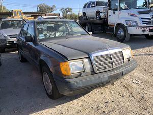 1989 Mercedes 300E parts for Sale in Grand Prairie, TX