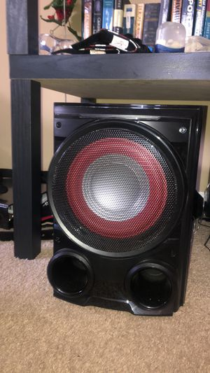 LG stereo system 500watts for Sale in Moon, PA