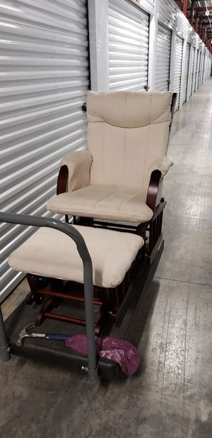 Rocking Glider Chair w/ Ottoman for Sale in Wheaton, IL