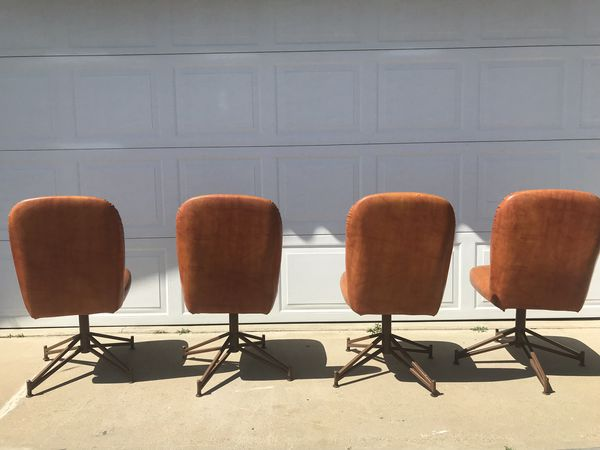 Vintage mid century round table with matching chairs