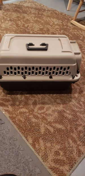 20 inch cat/small dog carrier for Sale in MIDDLEBRG HTS, OH