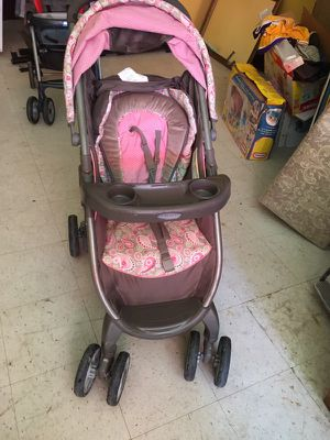 Grace fast action stroller for Sale in St. Louis, MO