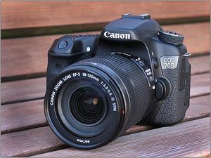 Canon EOS 70d DSLR camera with 18-55mm lens for Sale in Lexington, KY