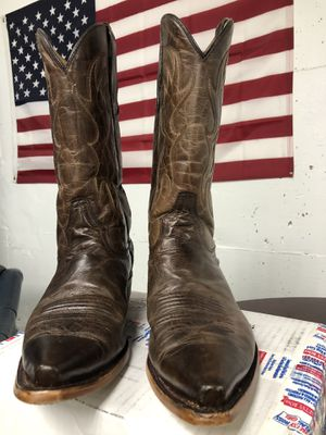 Cowboy boots 100% real leather, Size 10.5 Men's Brand Dan Post. Great conditions for Sale in Alexandria, VA