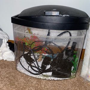 Fish tank for Sale in Lake in the Hills, IL