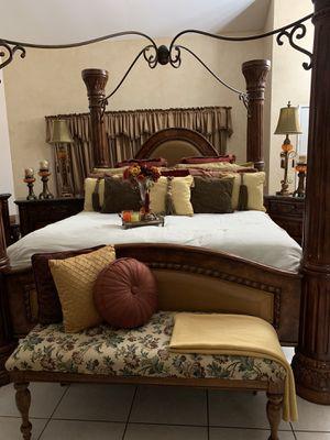 CALIFORNIA KING SIZE BEDROOM SET for Sale in Fontana, CA