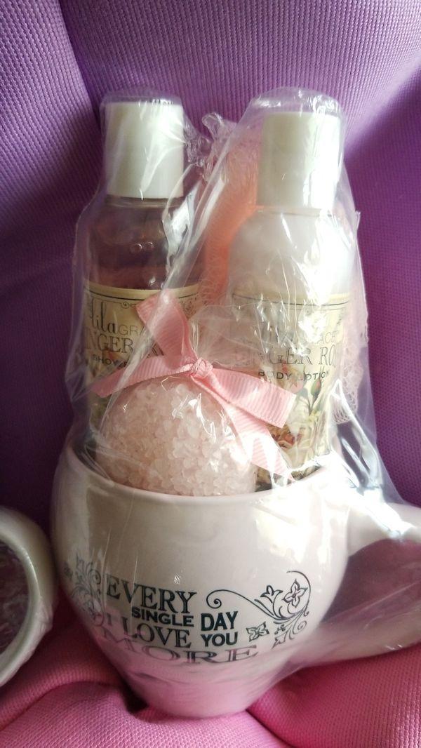 Ceramic mug bath set