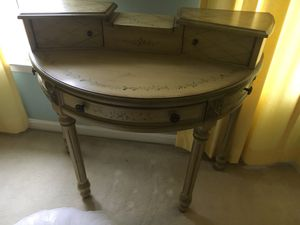 Vintage Vanity Set - BRAND NEW for Sale in Mount Airy, MD