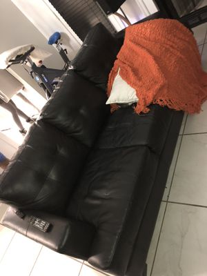 Black leather couch for Sale in Smyrna, TN