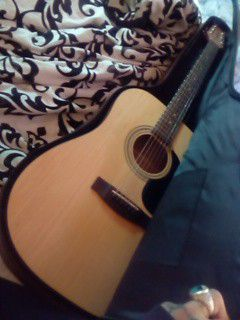 Jasmine by takamine model number S35 for Sale in Indianapolis, IN