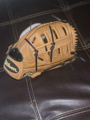 Wilson A900 baseball glove 12.5inch for Sale in Seattle, WA