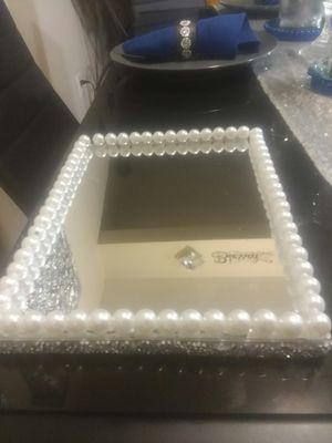 Mirror tray w/ bling and Pearls for Sale in Peoria, IL