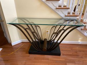 Glass table for Sale in Upper Marlboro, MD