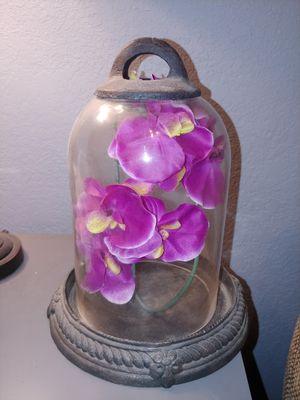 Glass Dome with metal base for Sale in San Bernardino, CA