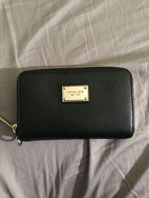 Mk small wallet for Sale in River Forest, IL