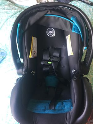 Infant car seat in perfect condition I use twice only for Sale in Angier, NC