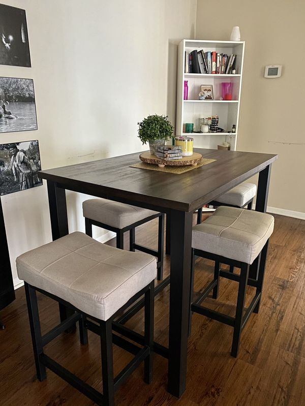 Counter-Height Dining Table and 4 Backless Stools - Rustic Walnut