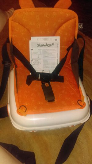 Yummigo booster seat. for Sale in Orlando, FL