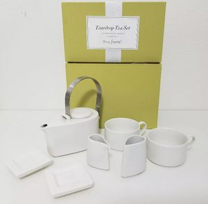 8 Piece Tea Forte Teardrop Porcelain Tea Set w/ Box White Tea Cups for Sale in Miami, FL