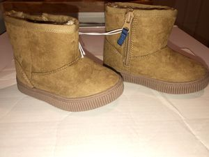 Brand new with tags baby toddler girls Cat and Jack brand winter boots size 6 for Sale in Plymouth, MA
