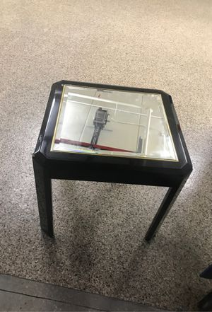 Mirror top coffee/side table for Sale in Hyattsville, MD