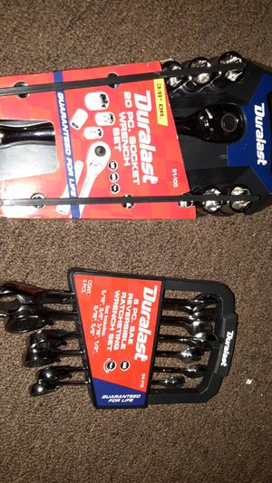 Duralast socket wrench and wrench set for Sale in Los Angeles, CA
