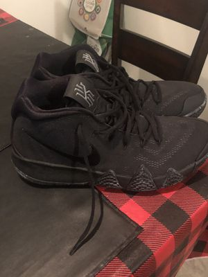 Kyrie 4 black on black basketball shoes size 11.5 with box for Sale in Stanton, CA