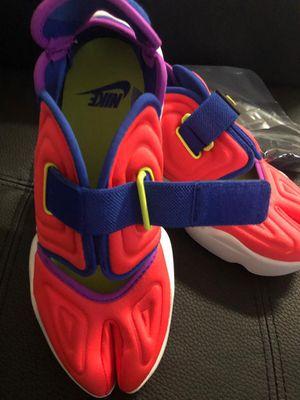 New Nike AQUA RIFT shoes 6.5 with Nike socks for Sale in Kissimmee, FL