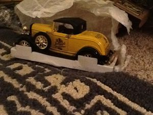 NEW - Leinenkugels 1930 Ford Roadster 14th Edition for Sale in Chippewa Falls, WI