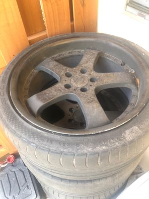 4 black rims (come with tires ) for Sale in Fort Lauderdale, FL