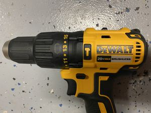 Dewalt 1/2 inch 20v Max brushless cordless hammer drill drill driver DCD778 for Sale in Sanford, FL