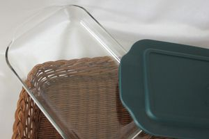 Pyrex Rectangular pan with lid and basket for Sale in Darien, IL
