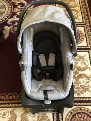 Baby Car Seat With Base for Sale in Hayward, CA