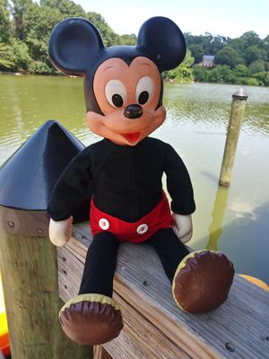 "1977 Mickey Mouse Doll 18"" Hasbro for Sale in Gaithersburg, MD"